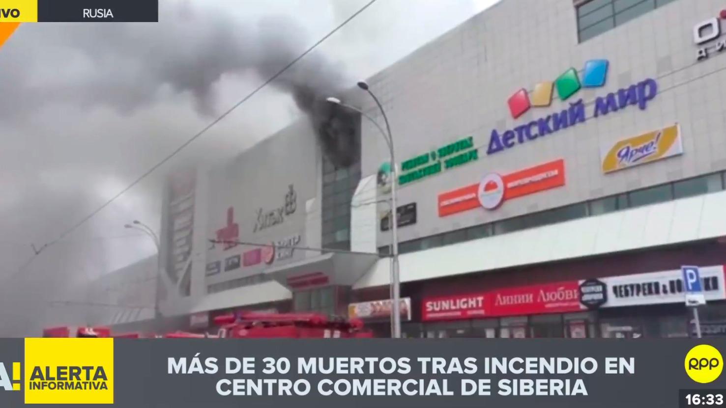 Más de 30 muertos tras incendio en centro comercial de Siberia
