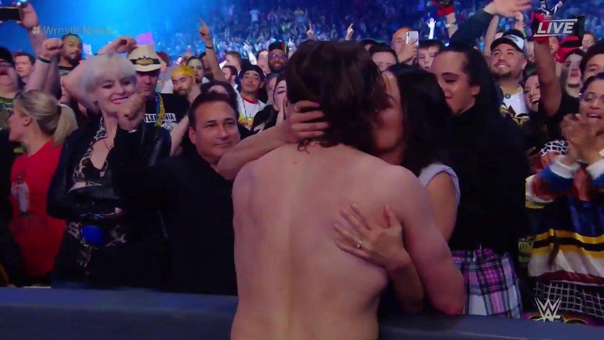 Daniel Bryan fue campeón mundial de Peso Pesado FIP.