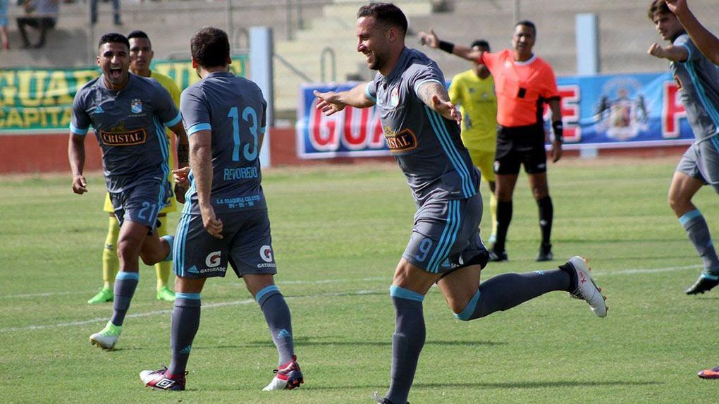 Emanuel Herrera es el goleador del Torneo de Verano con 14 tantos.