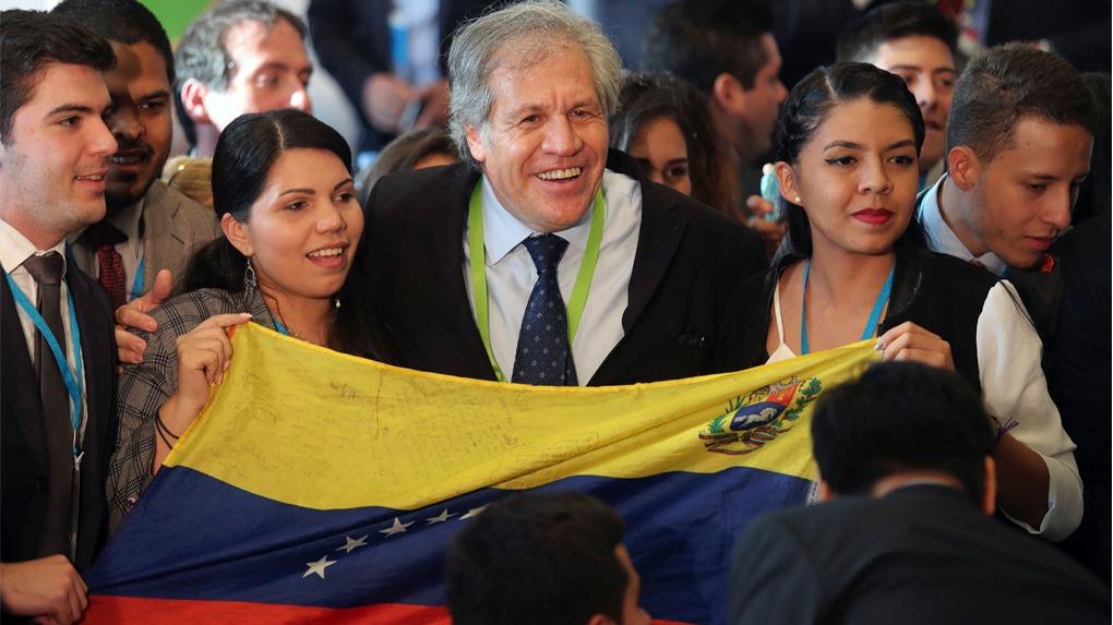 Luis Almagro participó en el Foro de los Jóvenes, una de las reuniones preparatorias para la Cumbre de las Américas de Lima.