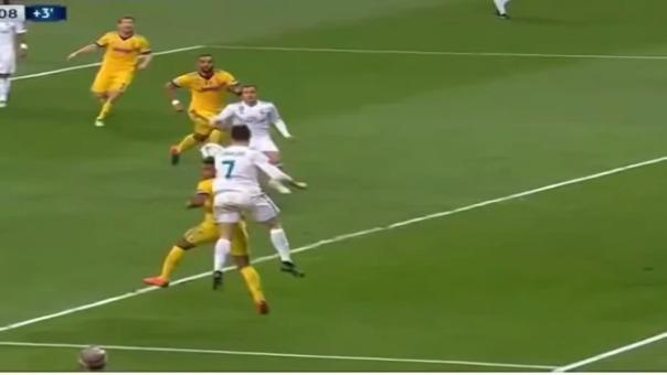 Real Madrid clasificó a semifinales con el penal que le cometió Mehdi Benatia a Lucas Vázquez.