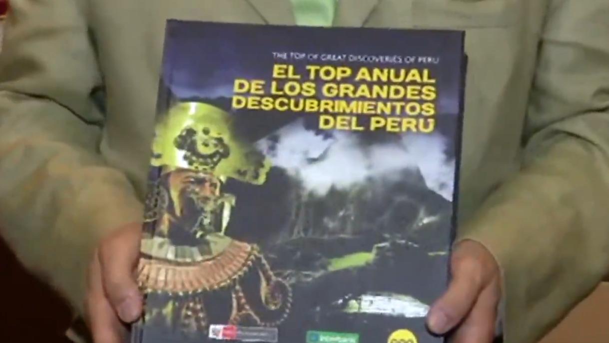 El libro describe los más recientes descubrimientos arqueológicos del Perú.