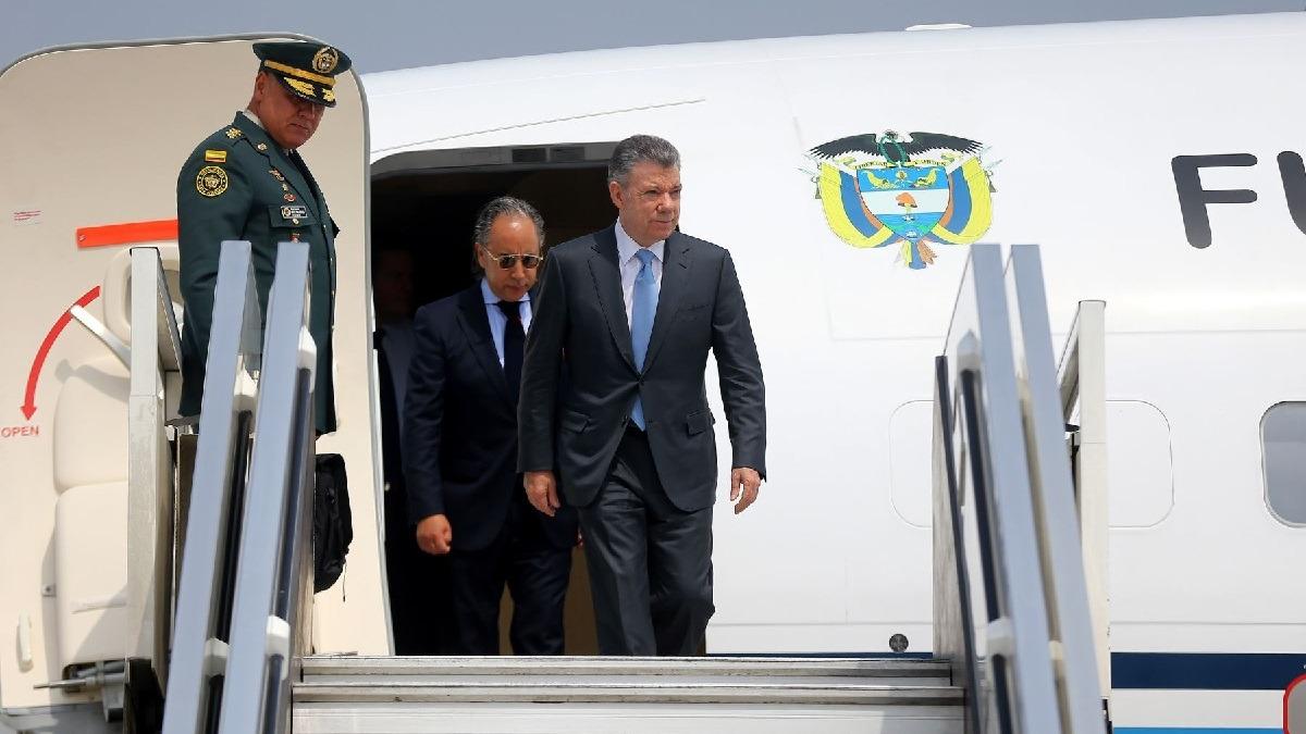 Juan Manuel Santos llegó a Lima para participar de la Cumbre de las Américas.