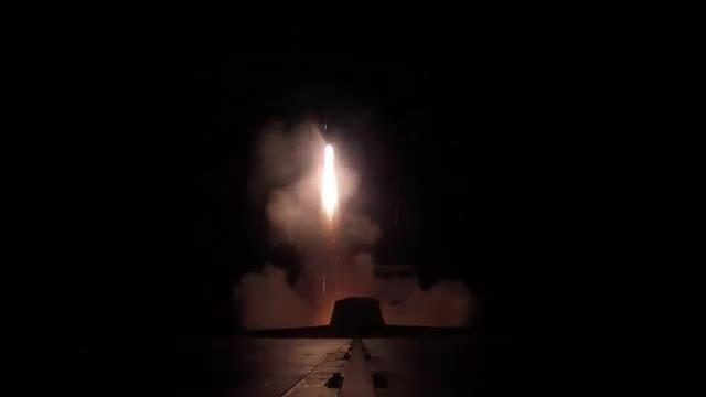 El lanzamiento de misiles crucero desde una fragata francesa.