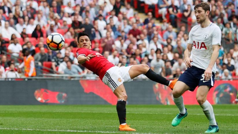 Alexis Sánchez llegó en enero del 2018 a Manchester United en lugar del armenio Henrikh Mkhitarayn, que fue cedido al Arsenal.