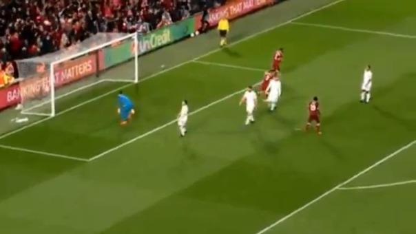 Mohamed Salah abrió la cuenta con este bello disparo.