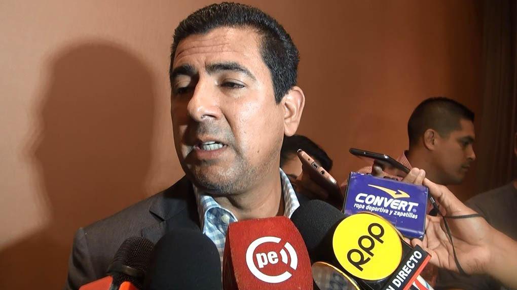 Carlos Moreno reemplazó a Raúl Leguía en la administración de Universitario.