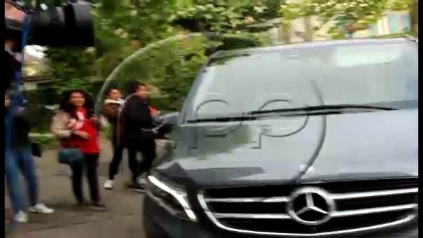 Momento en que Paolo Guerrero ingresa a la sede del TAS