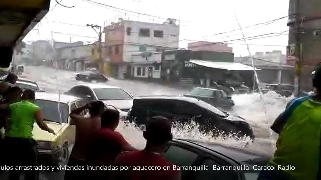 Los desbordes también provocaron inundaciones de viviendas.