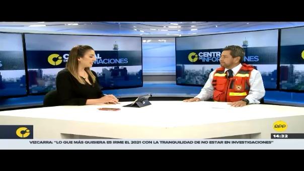 Entrevista al comandante de los bomberos, Lewis Mejía.