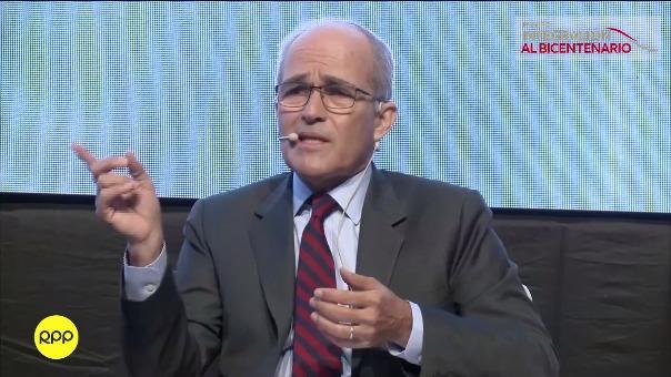 Roque Benavides habló a favor de la descentralización.