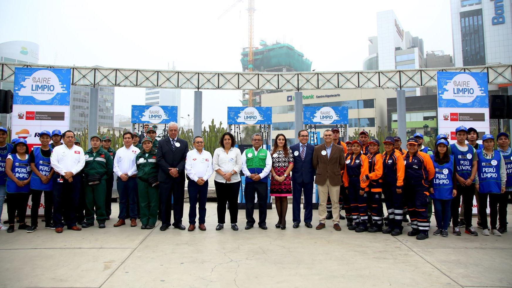 Fabiola Muñoz, representante de esta cartera, indicó a RPP Noticias que a esta tarea se han sumado representantes de las empresas de combustible.