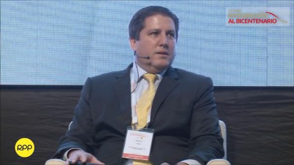 Carlos Ugaz participó en la mesa 'País Viable' del Foro Bicentenario.