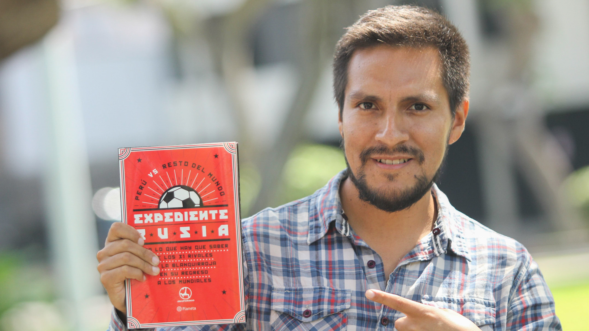 Kenny Romero, director de concepto y redacción de