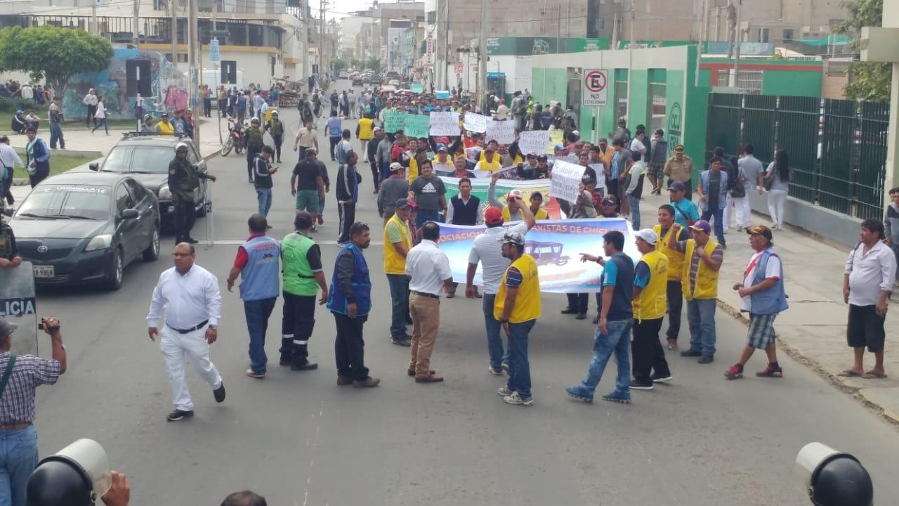 La protesta que en un inicio fue pacífica, se tornó violenta