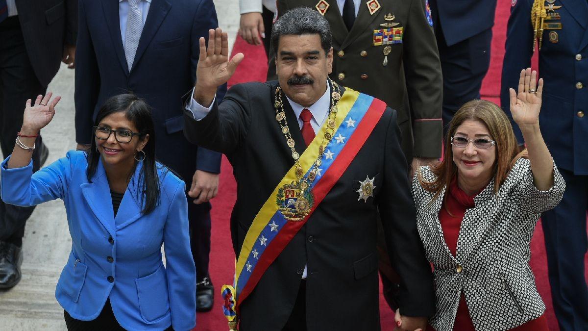 Nicolás Maduro juró ante Delcy Rodríguez, presidenta de la Asamblea Constituyente.
