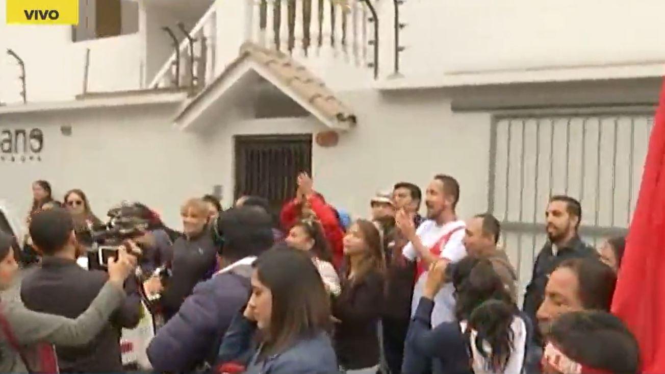 La madre de Paolo Guerrero también salió a agradecer el apoyo que le han brindado a su hijo.