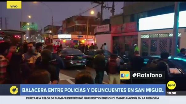 Por medio del Rotafono se informó que policías interceptaron camión que al parecer fue asaltado, otras dos personas resultaron heridas.
