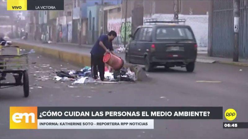 Los entrevistados coincidieron en criticar los malos hábitos de los vecinos, que botan sus desperdicios a la calle.