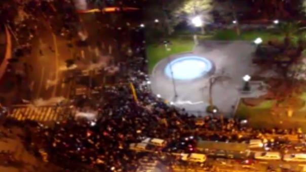 Manifestantes que buscaban llegar al Congreso de la República fuero replegados por la policía nacional.