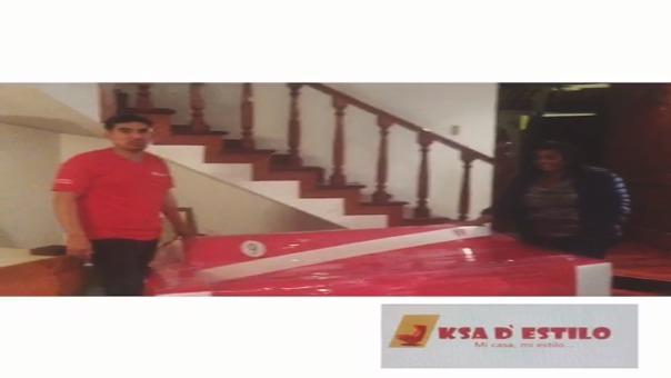 Entrega de mueble a la mamá de Paolo Guerrero.