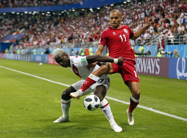 Luis Advíncula es el futbolista más rápido del mundo, según la FIFA.