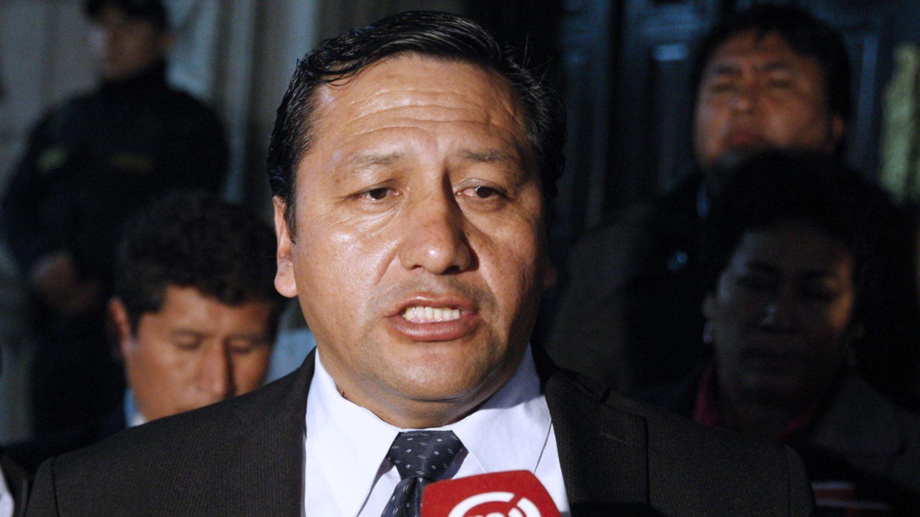 Velásquez señaló como responsables de los descuentos de sueldo a los que han convocado la huelga indefinida de maestros este lunes.