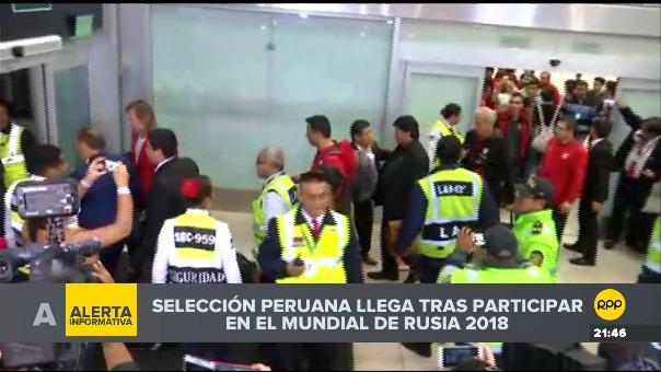 La Selección Peruana llegó a las 9:30 al Aeropuerto Internacional Jorge Chávez.