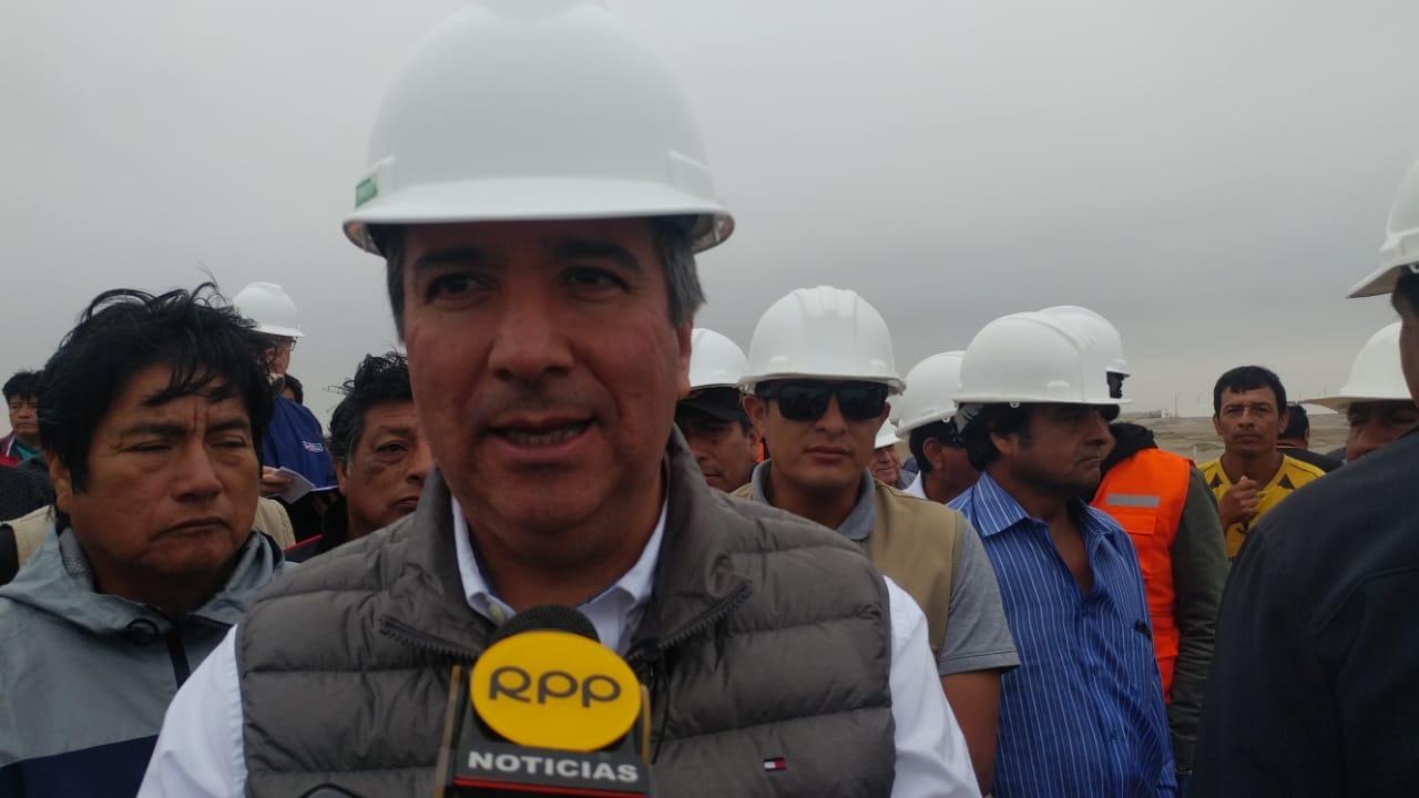 Ministro brindó declaraciones luego de recorrer el desembarcadero de la caleta de San José.