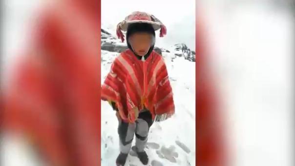 Este fue el video que se hizo viral y en el que se aprecia al pequeño Rubén pidiendo ayuda al presidente de la República ante las bajas temperaturas.