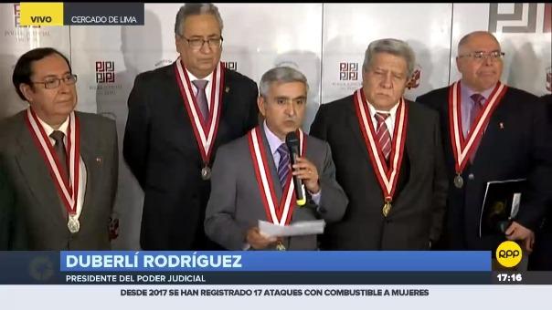 Duberlí Rodríguez durante una conferencia de prensa en Lima.