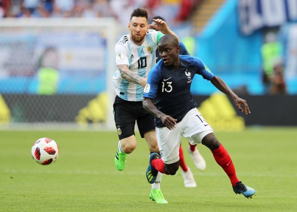 Kante ante Messi por los cuartos de final del Mundial Rusia 2018.
