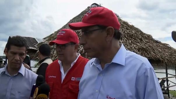 El presidente de la República, Martín Vizcarra, declara a la prensa peruana.