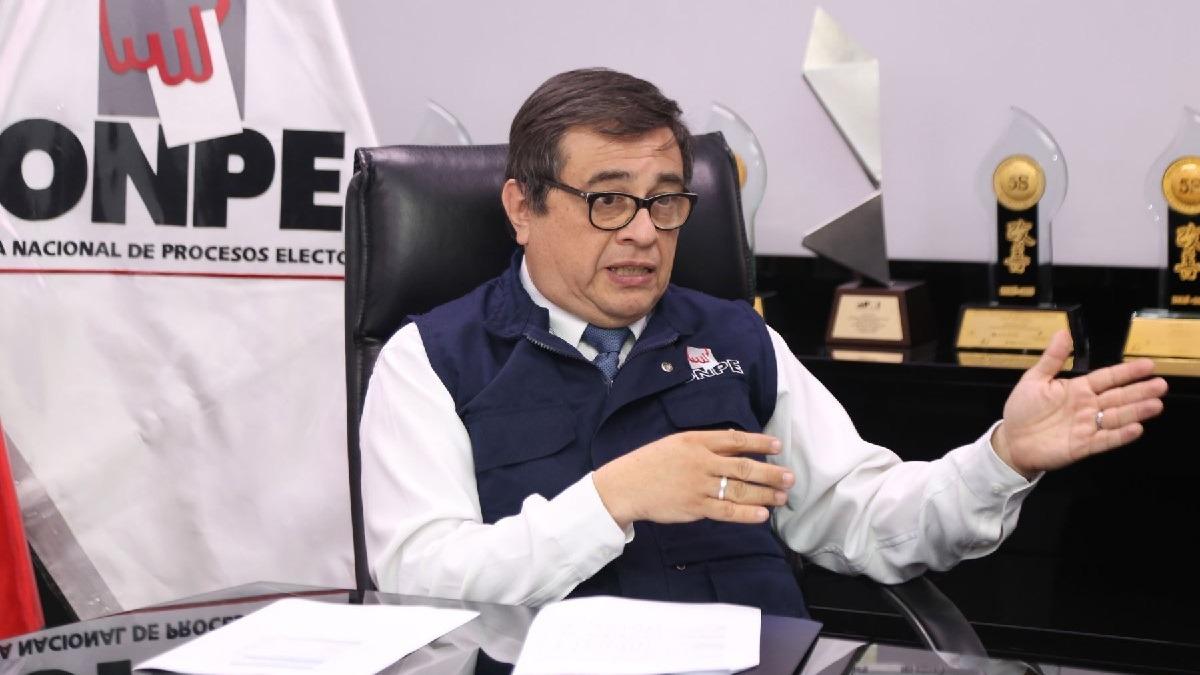 Consejeros suspendieron al jefe de la ONPE.
