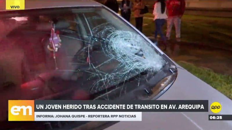 El joven cruzó imprudentemente la vía y fue impactado por un automóvil.