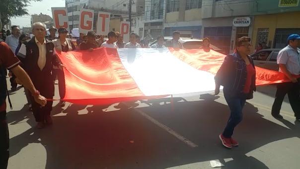 La Policía Nacional en todo momento custodió esta marcha.
