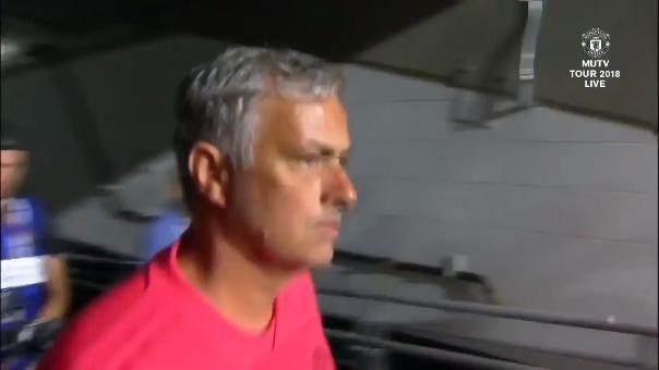 José Mourinho estuvo en el banquillo con su elenco que no pasó del 1-1 con América de México.