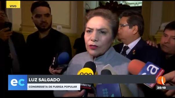 Luz Salgado en declaraciones a la prensa en el Congreso.
