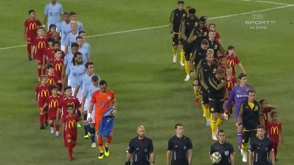 Manchester City y Borussia Dortmund jugaron en Estadio Soldier Field de Chicago.