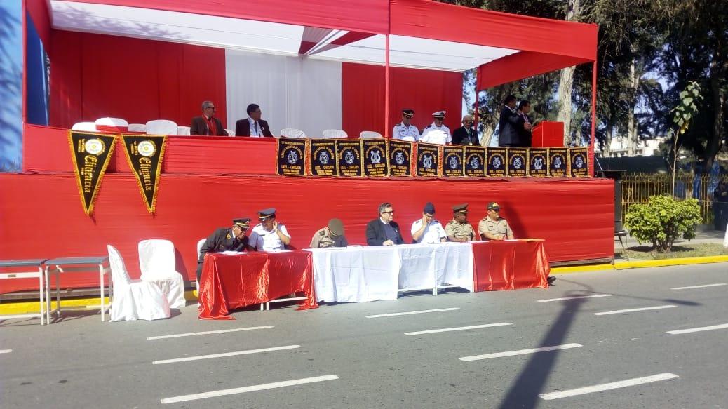 Desfile escolar competitivo se realizó en la avenida Salaverry.