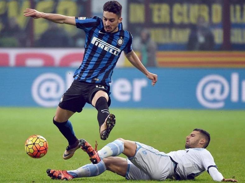 Alex Telles llegó a Porto proveniente del Inter de Italia, club donde disputó 21 partidos.