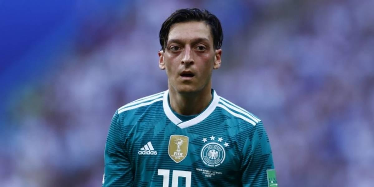 Mesut Özil tiene un valor en el mercado de 45 millones de euros, según Transfermarkt.