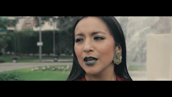 La soprano y antropóloga ayacuchana versiona el Himno Nacional del Perú por Fiestas Patrias.