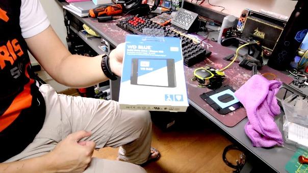 ¿Cómo cambiar el disco duro de tu PC y poner un SSD? Segunda parte con Boris SDK.