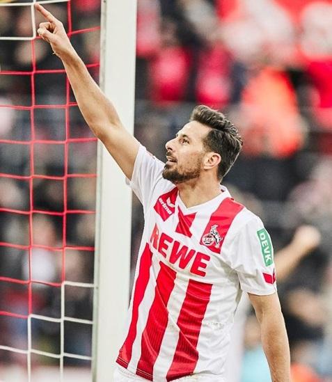 Claudio Pizarro militó en el Colonia en la temporada 2017-18.