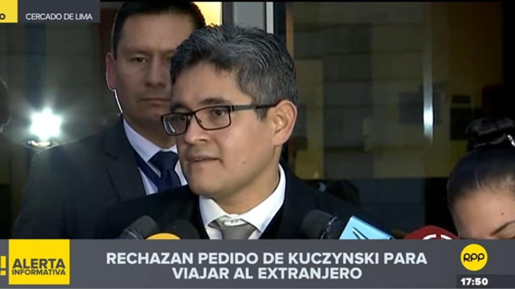 El fiscal de lavado de activos, José Domingo Pérez Gómez, brinda declaraciones a la prensa.