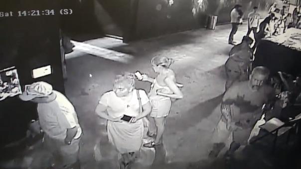 Imágenes del robo fueron difundidas en redes sociales.