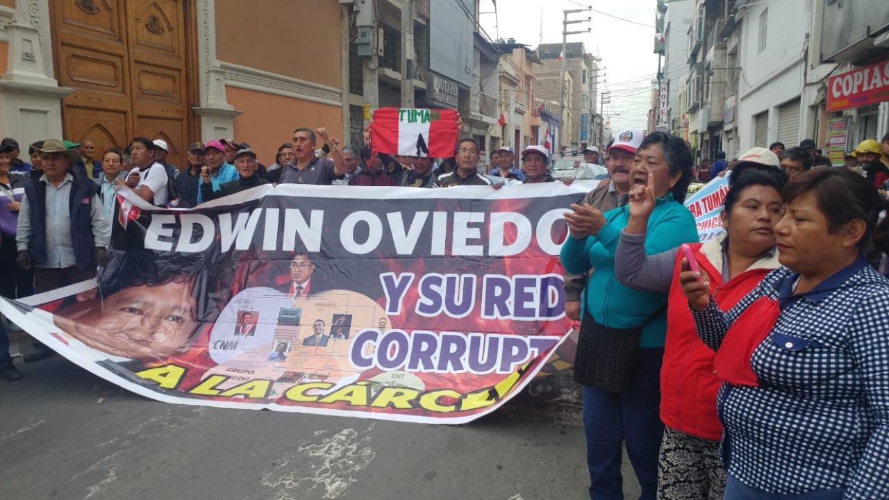 Masiva protesta de azucareros en Chiclayo.