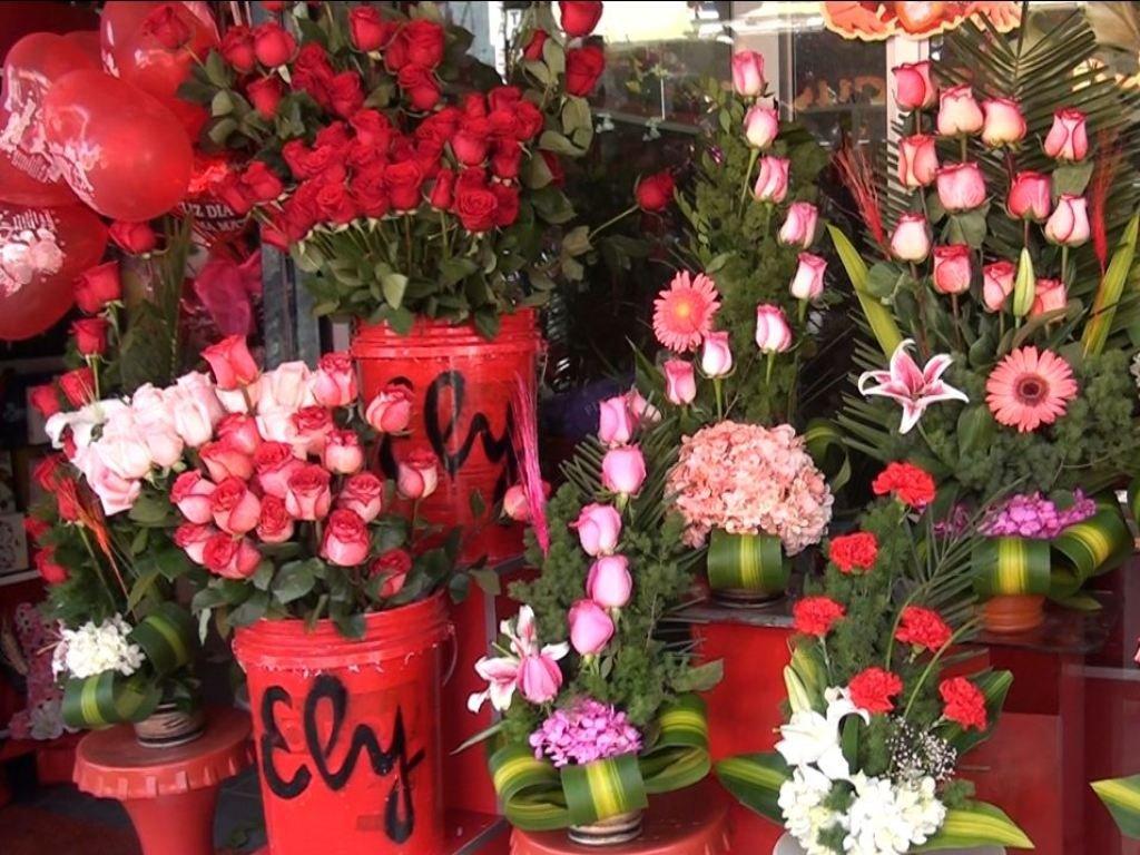 Huancayo Pobladores Prefieren Las Flores Para El Día De La Madre