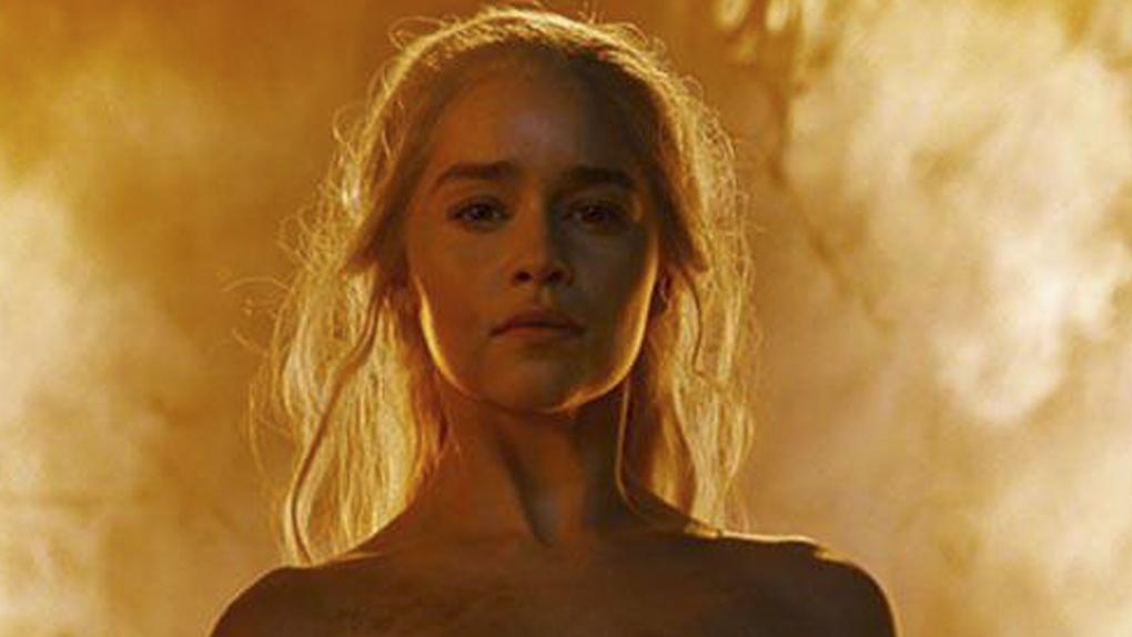 Youtube Emilia Clarke Vio Desnudo De Khaleesi En Game Of Thrones
